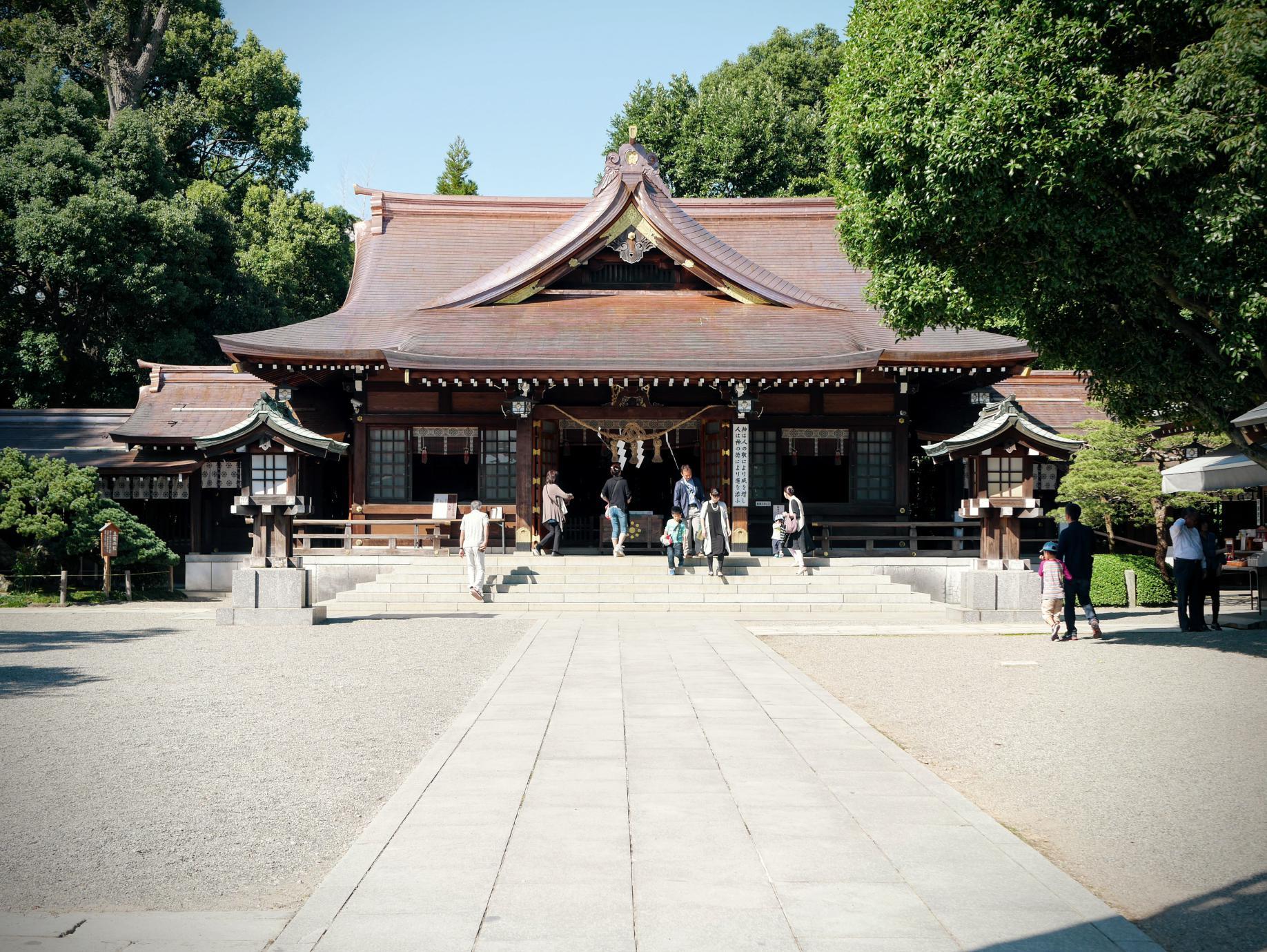 水前寺成趣園、出水神社