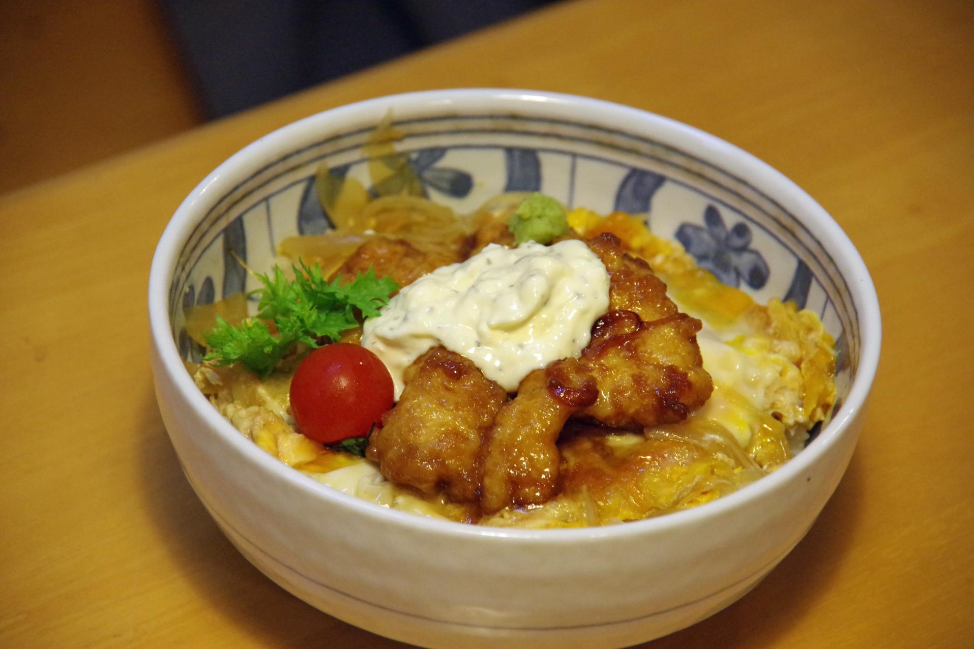 れすとはうす 海彩の大王南蛮タルタル丼(1030円)