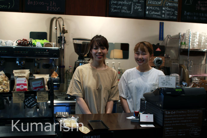 CAFE SWITCHの店長さんとスタッフの方々