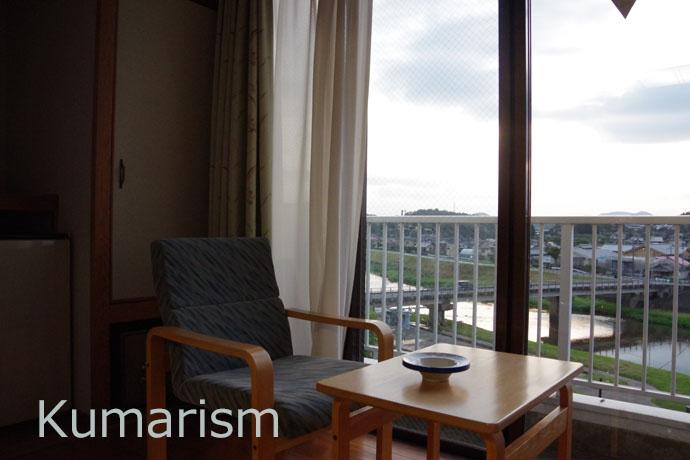 お部屋からは合志川を眺望できます
