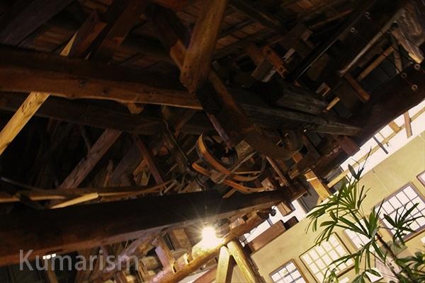 天井にある製粉工場の名残