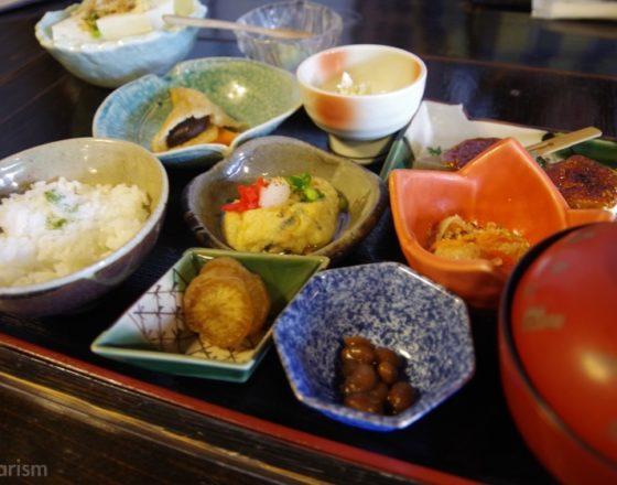 [とうふ吉祥] 黒川温泉街の癒し空間でいただくヘルシーな絶品豆腐料理!