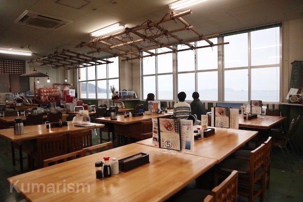 室内飲食スペースの写真